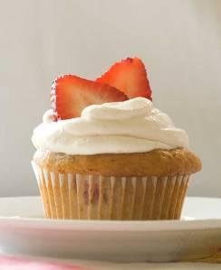 gluten-free-strawberry-cupcakes