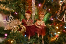 ...and the sister fairies holding hands :)